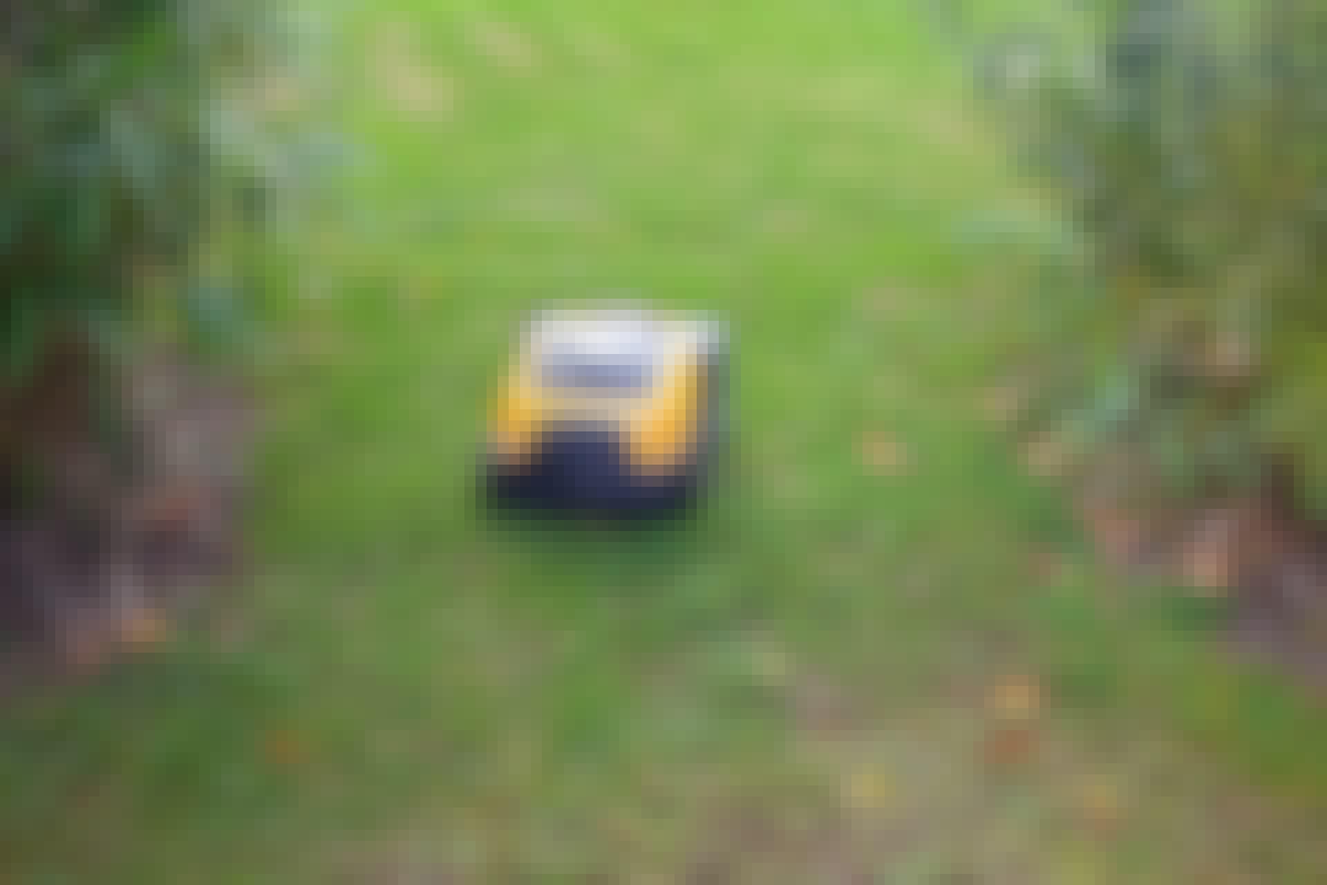 Smale passasjer og hindringer, som bed og trær, krever at robotklipperen kjører omveier. Da bør du kanskje kjøpe en modell som rekker litt lenger.