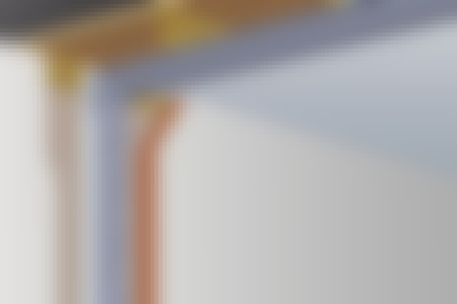 Teräspalkki: Teräspalkkeja käytetään sekä pystytolppina että vaakapalkkeina kattoa vasten.
