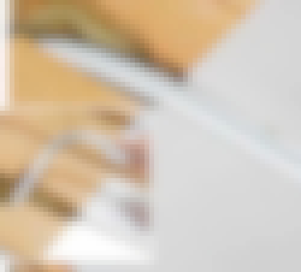 Gulvvarme trægulv: Det særlige pexrør er forsynet med et par striber på langs.