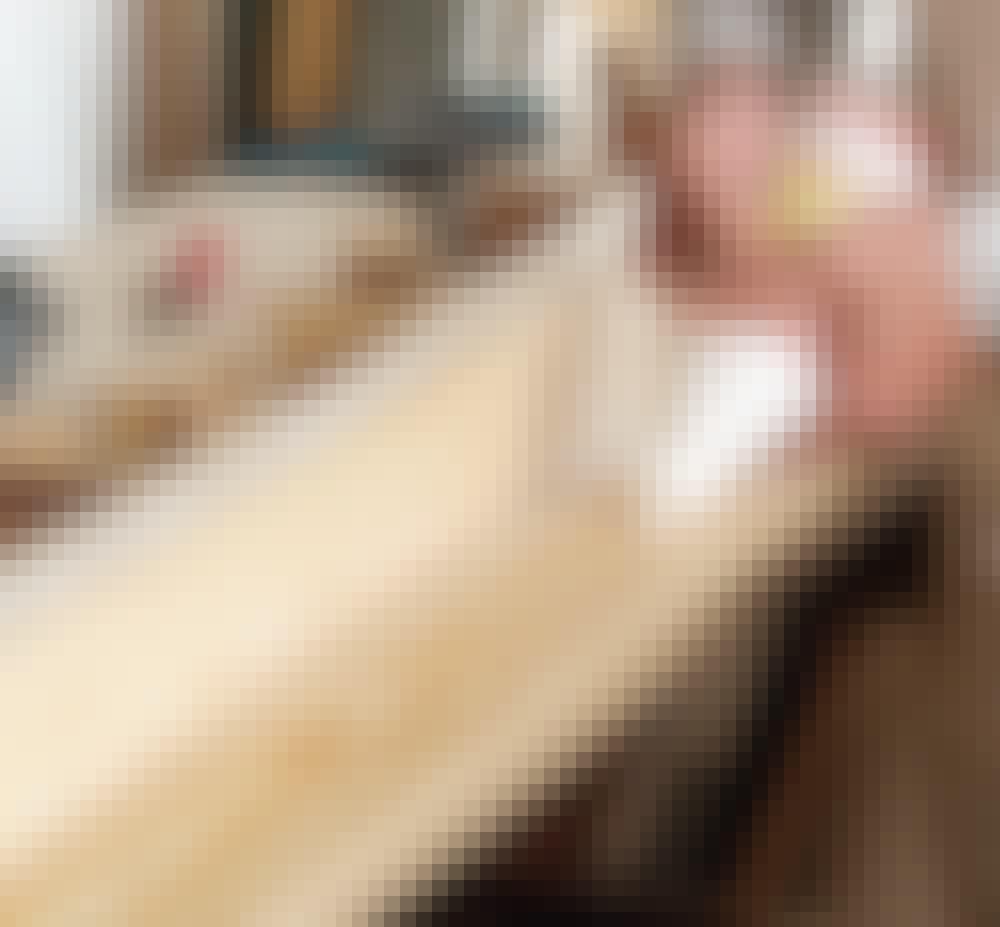 Glasstak: Lim på de neste bordene.
