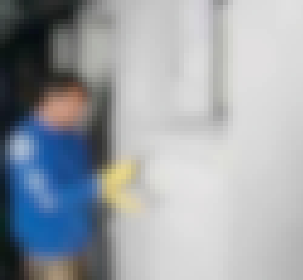 Udvendig isolering: Ved sålbænke, false og snævre hjørner er det ofte lettere at bruge en murske.