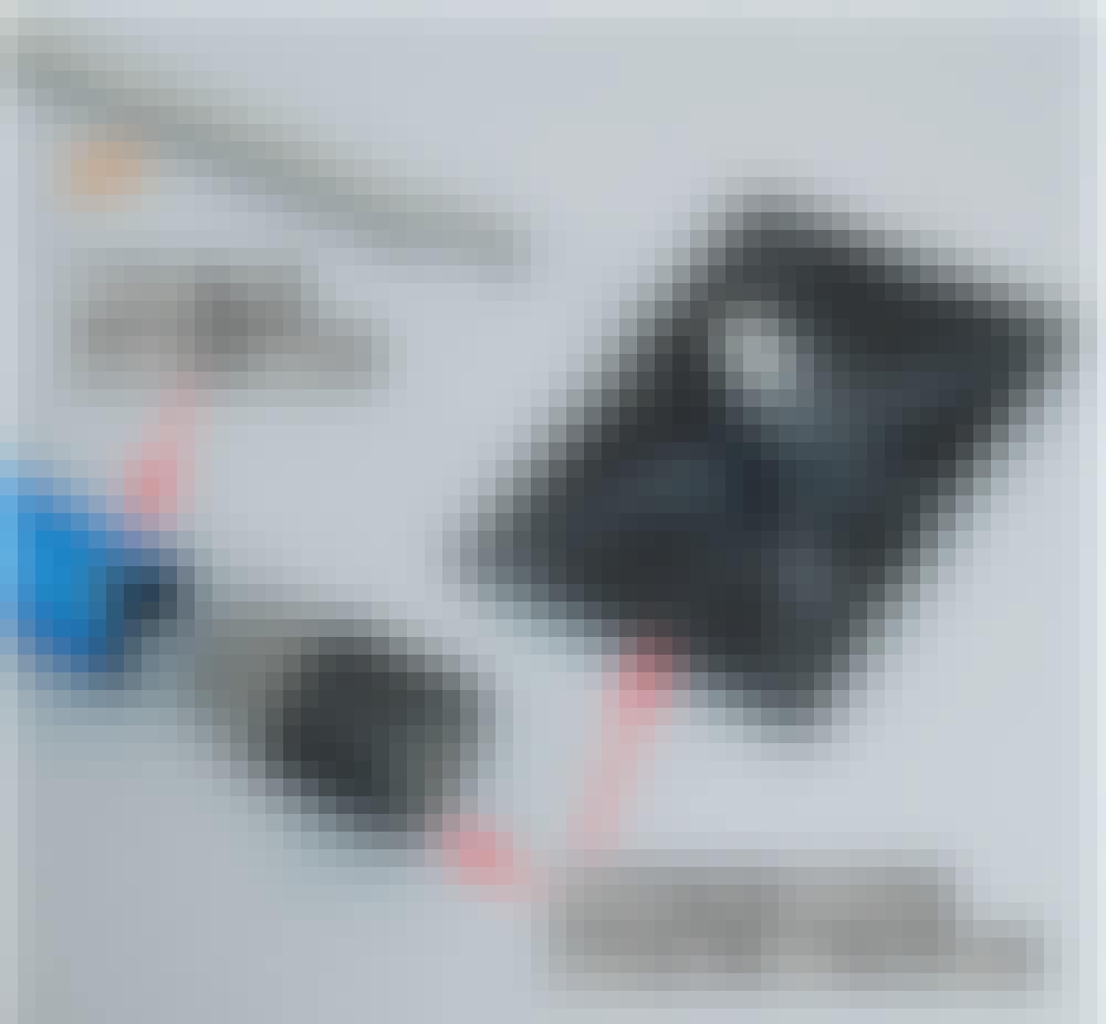Gipsheis: Med en baufil skjærer du av støtteplaten fra stangen på teleskopskaftet.