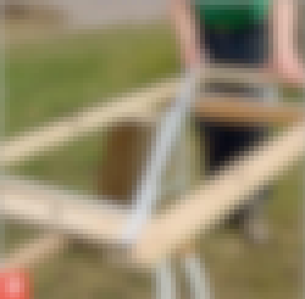 Kompostbeholder: Krydsmål: Mål fra hjørne til hjørne på begge diagonaler.