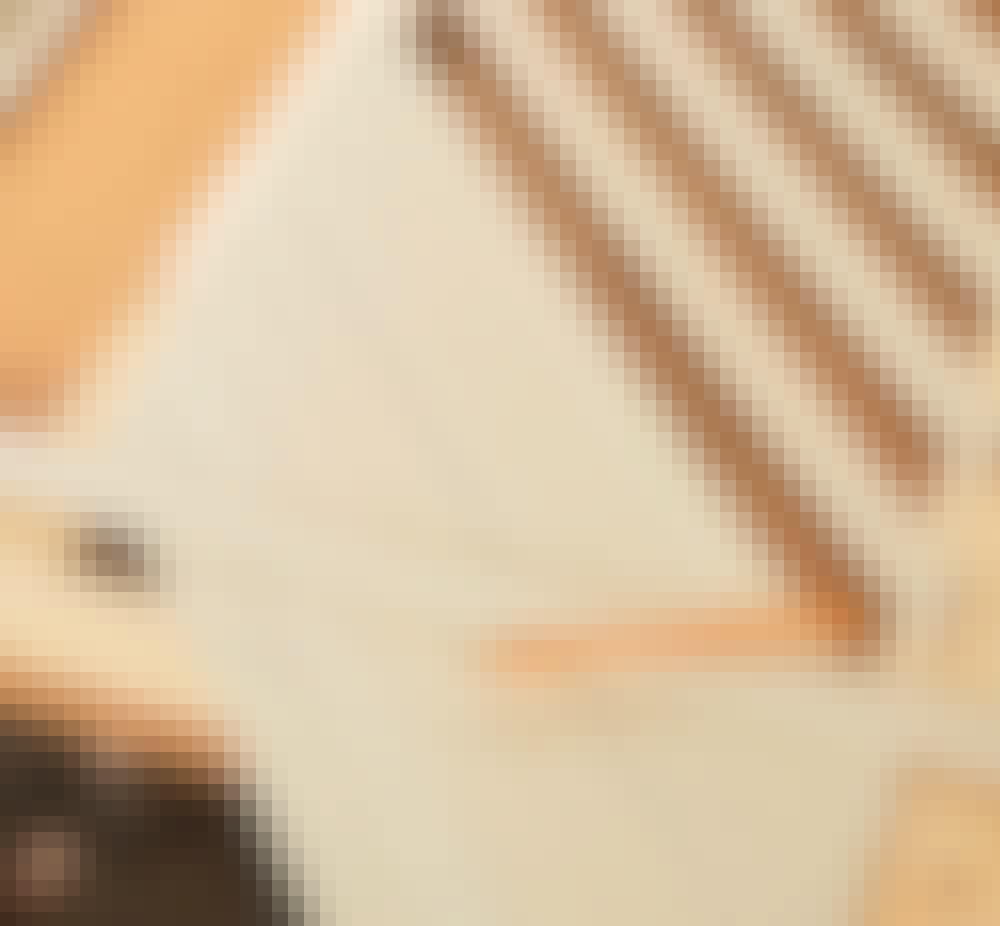 Radiatorskjuler: Mål op til de korte lameller, når de lange er på plads.
