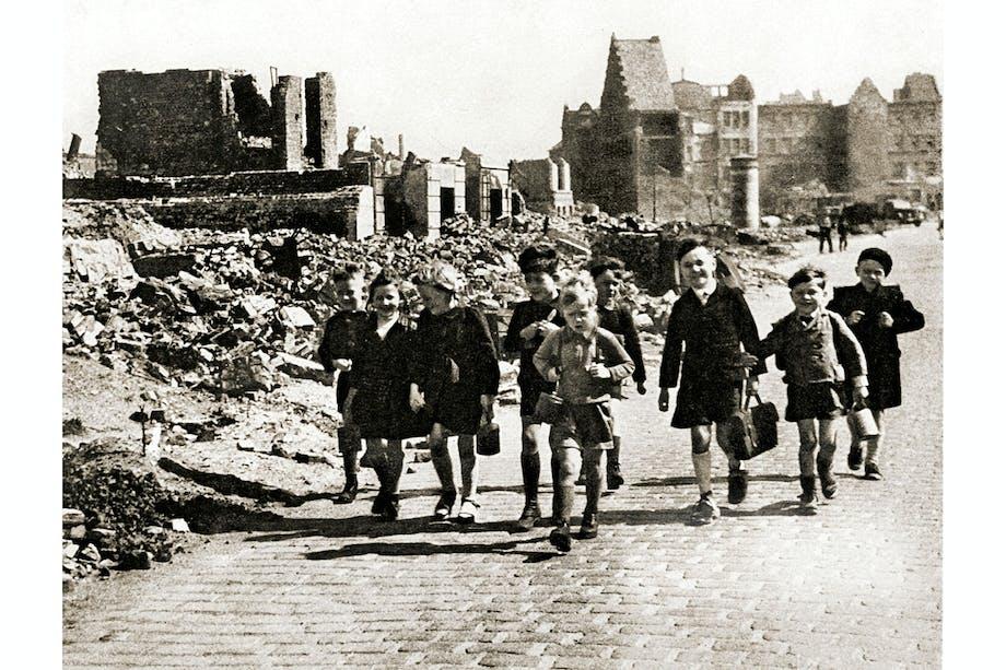 Maj 1945, Tyskland, Hverdagen vender tilbage