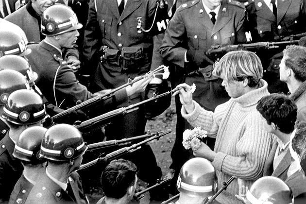 Blomsterbørn på krigsstien.