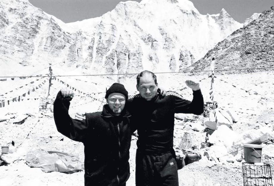 1996: Svensker cykler til Everest