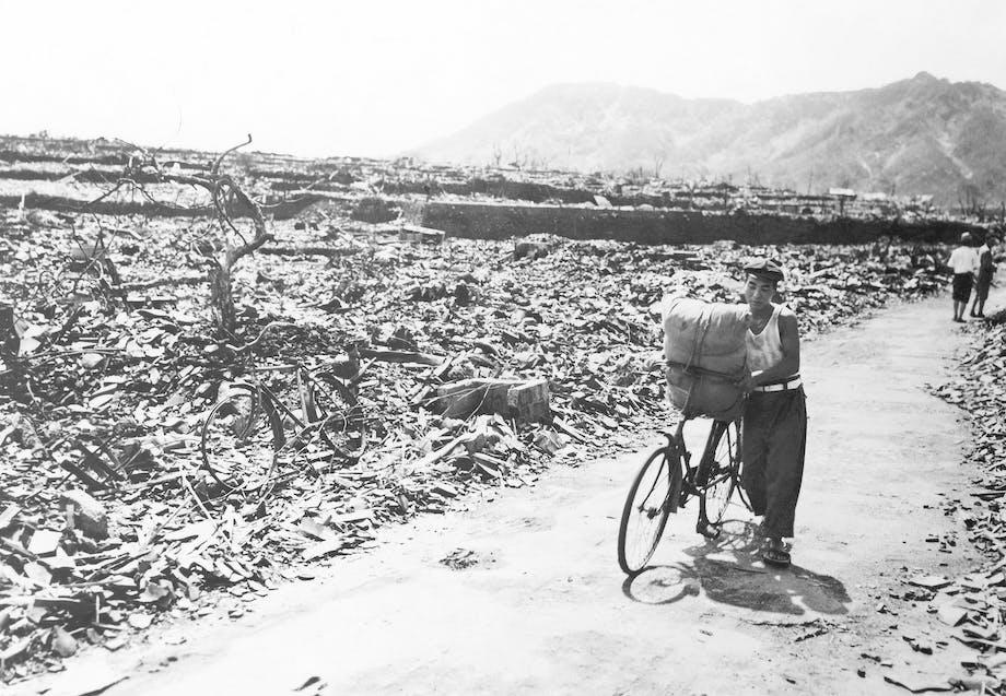 Hiroshima 1945 atombombe ødelæggelser