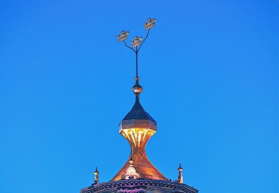 Stockholm rådhus tårn tre gyldne kroner