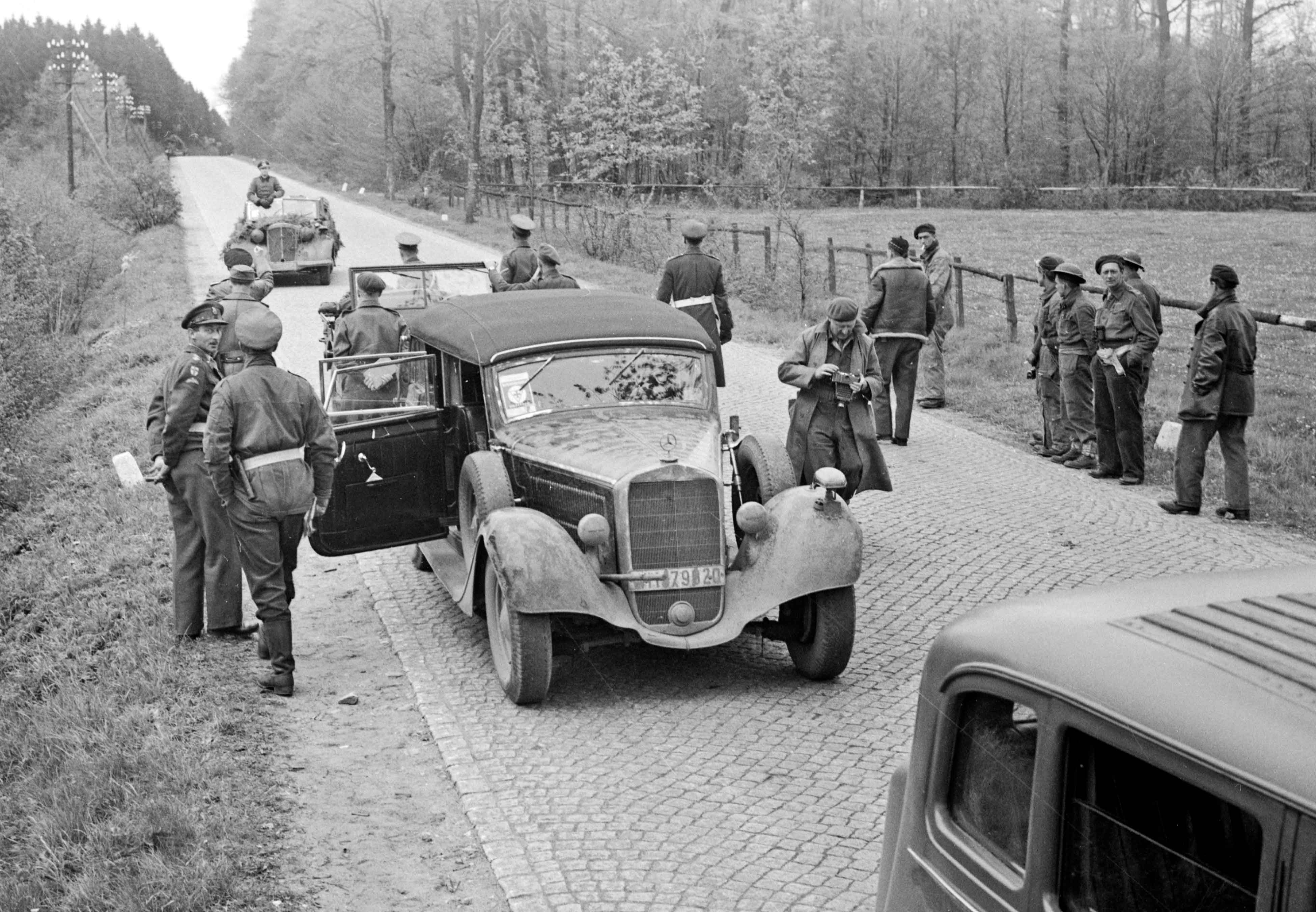 Interaktiv tidslinje: Följ Nazitysklands fall