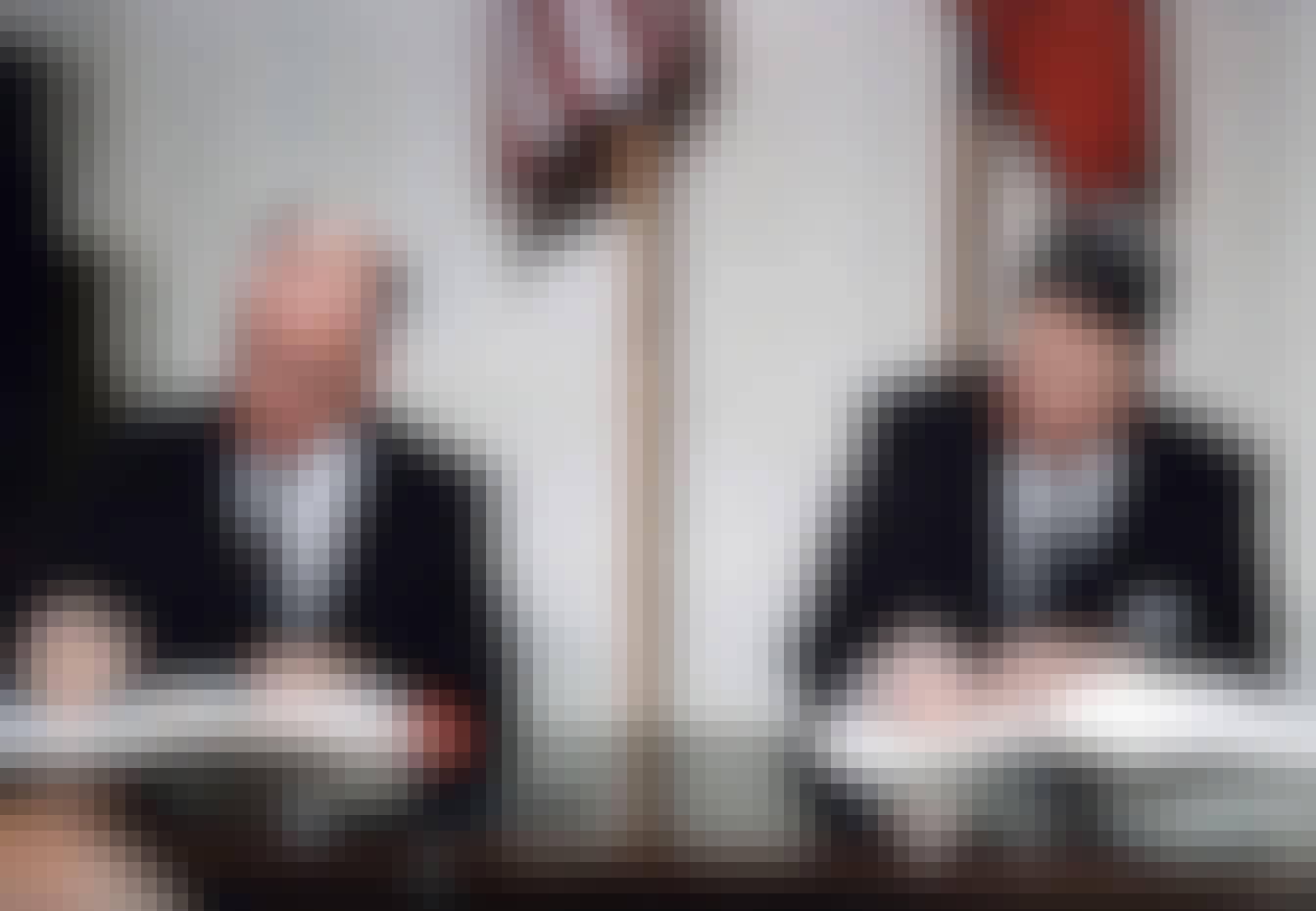 Reagan og Gorbachev underskriver nedrustningsaftale