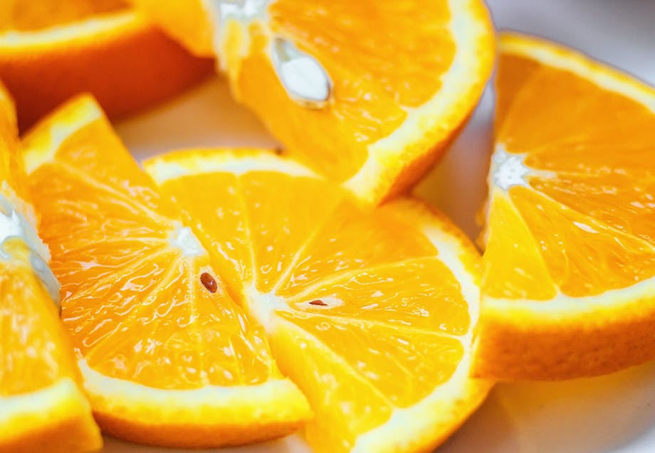 Apelsiner innehåller C-vitamin