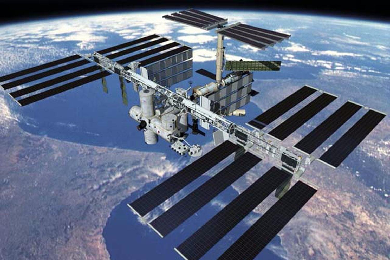 iss rumstation set fra jorden