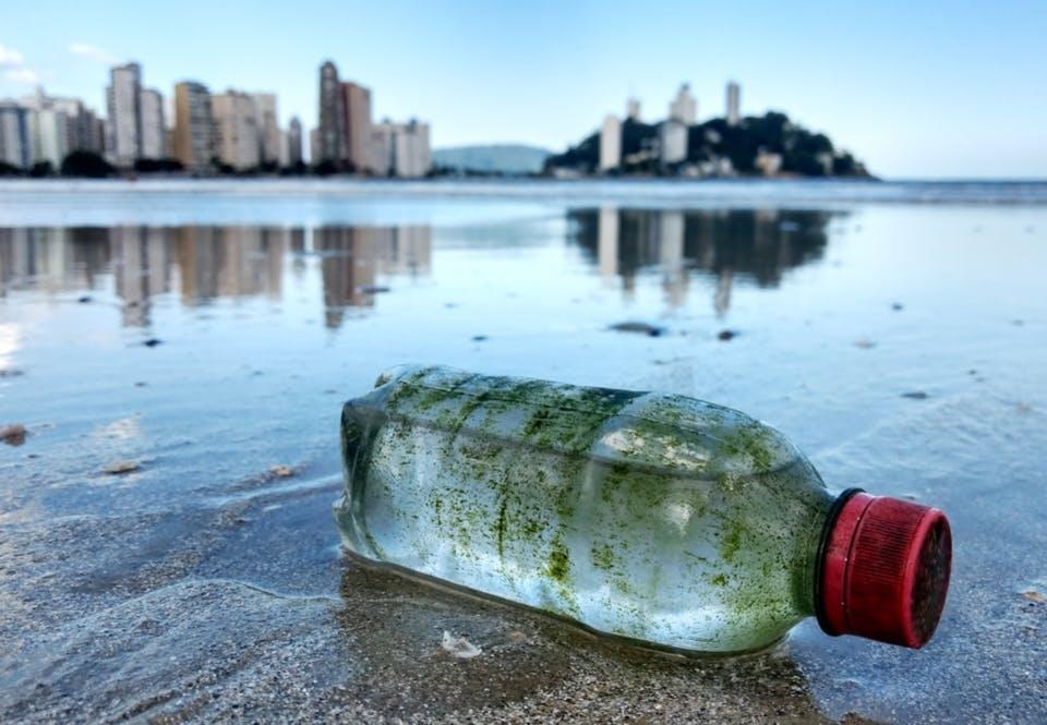 Plastic in het water