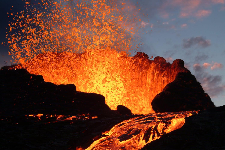 Vulkaner flyder over