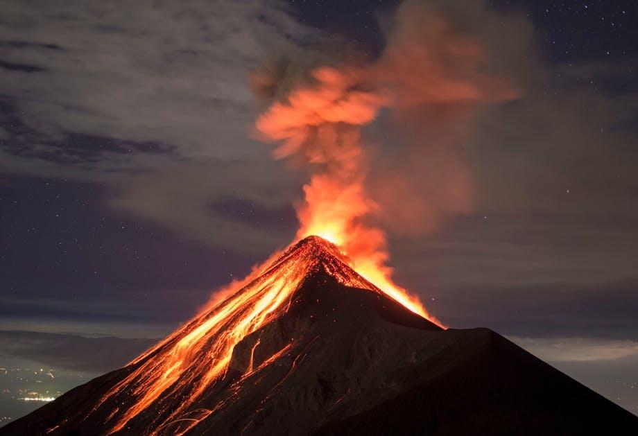 Hur uppstår vulkanutbrott?