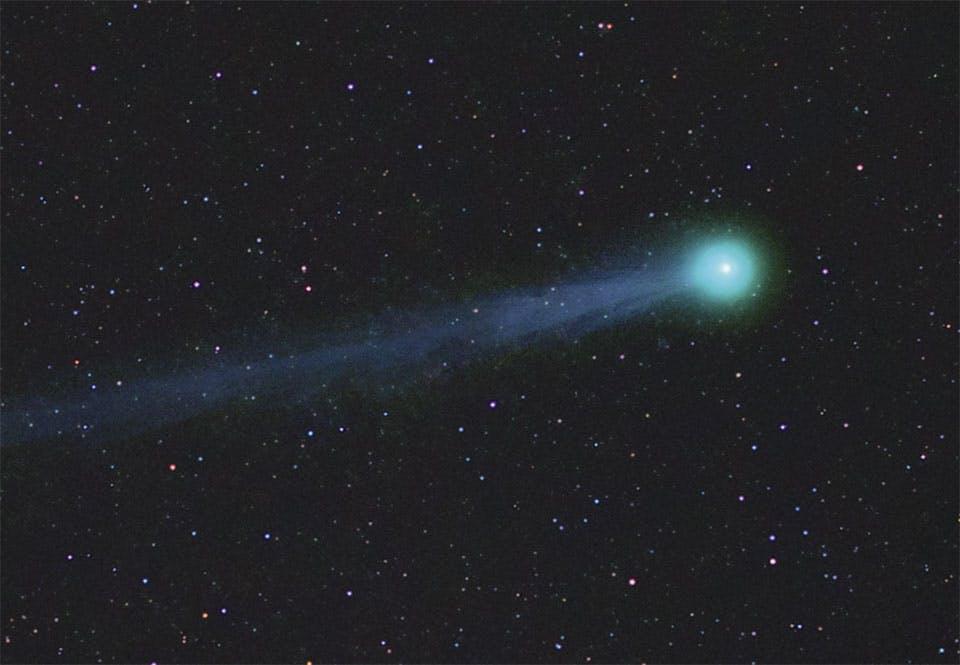 Tähtitaivas komeetta