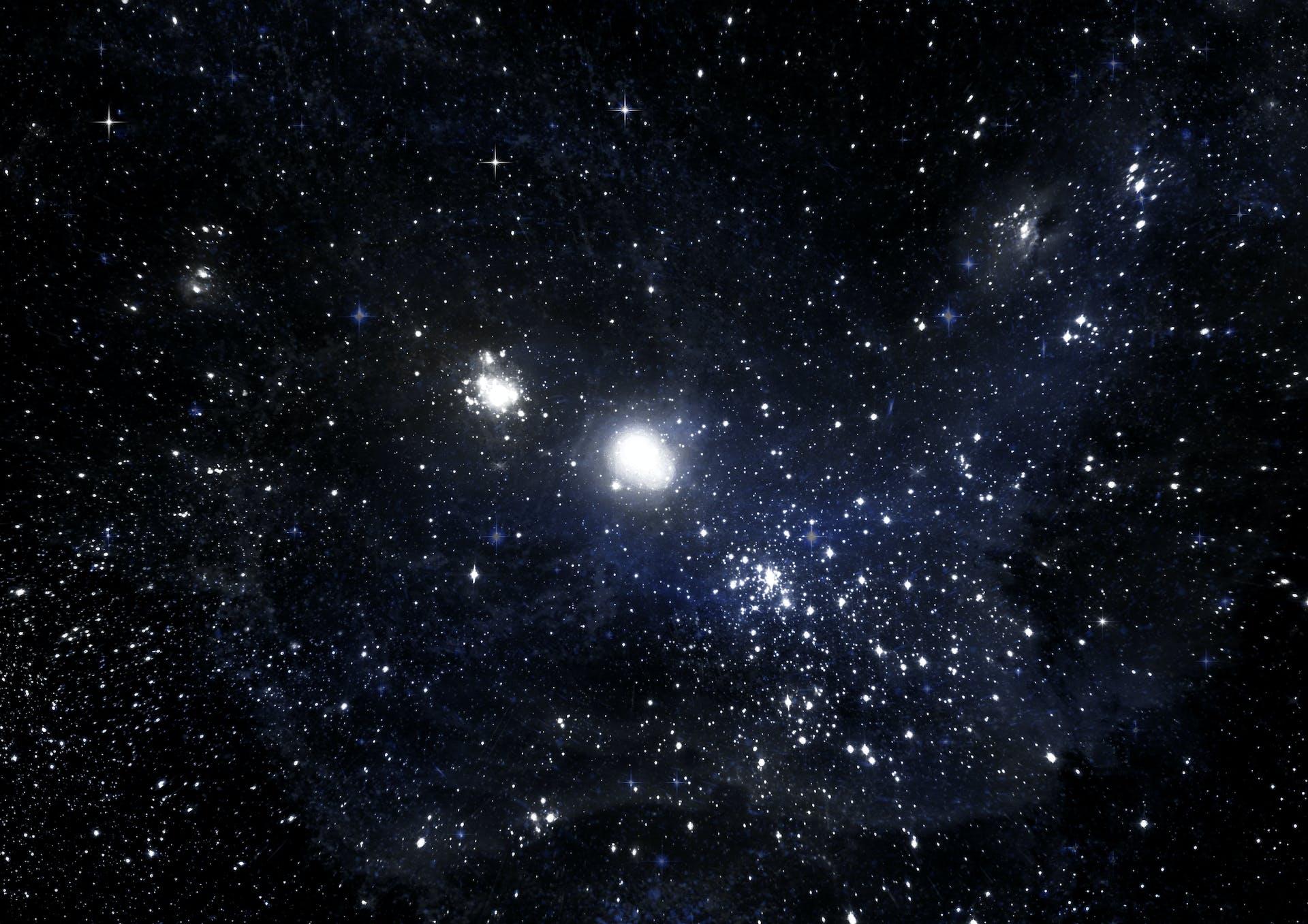 Käsitteet pimeä aine ja pimeä energia