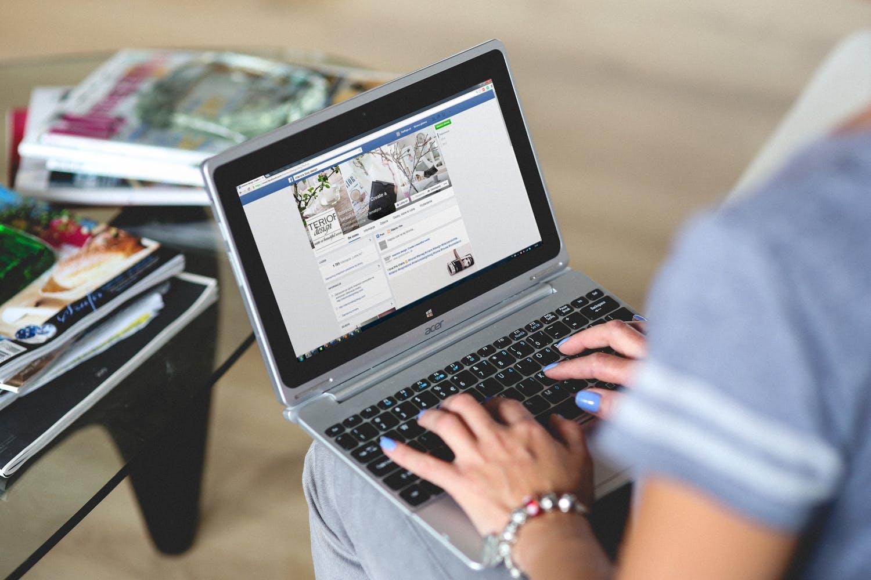 Facebook tabletti