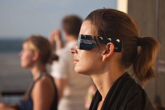 Beskyttelsesbriller solformørkelse