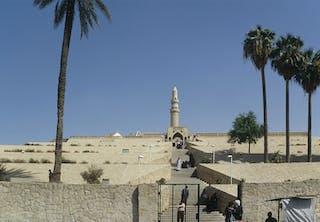 Så såg Yunus gravplats ut innan Islamiska staten sprängde den.