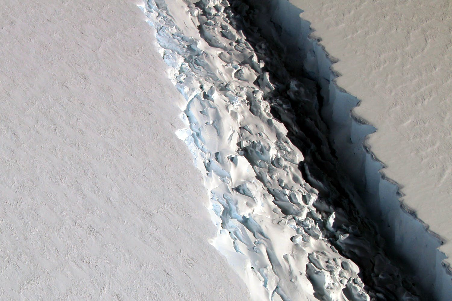 Larsen C crack NASA