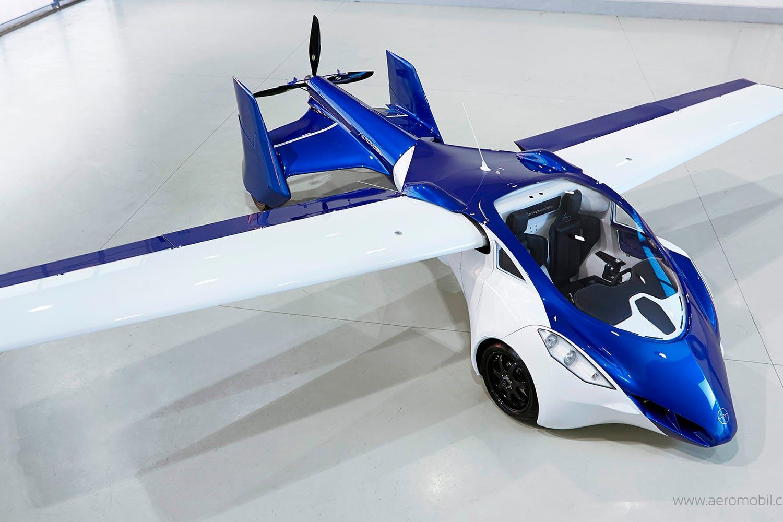 2017 lentävä auto