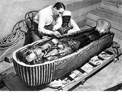 Tutankhamenin haudasta löydettiin yli 3 000 vuotta vanhaa hunajaa.