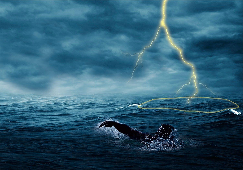 Tordenvær over hav