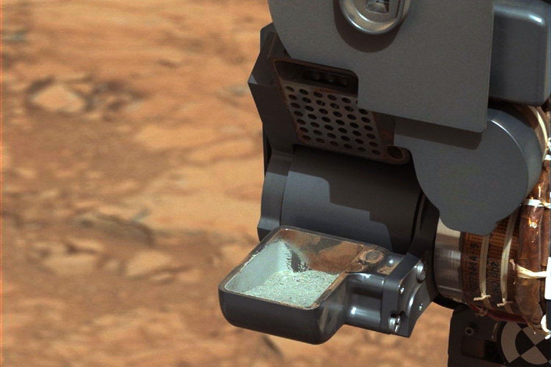 Blue dust on Mars