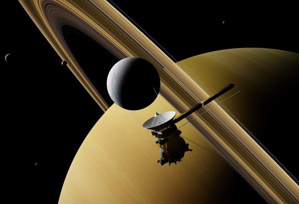 Saturnus, avaruusluotain ja kuita