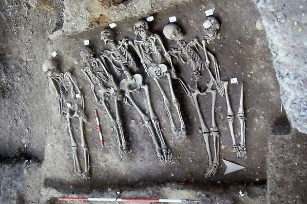 Plague victims at East Smithfield