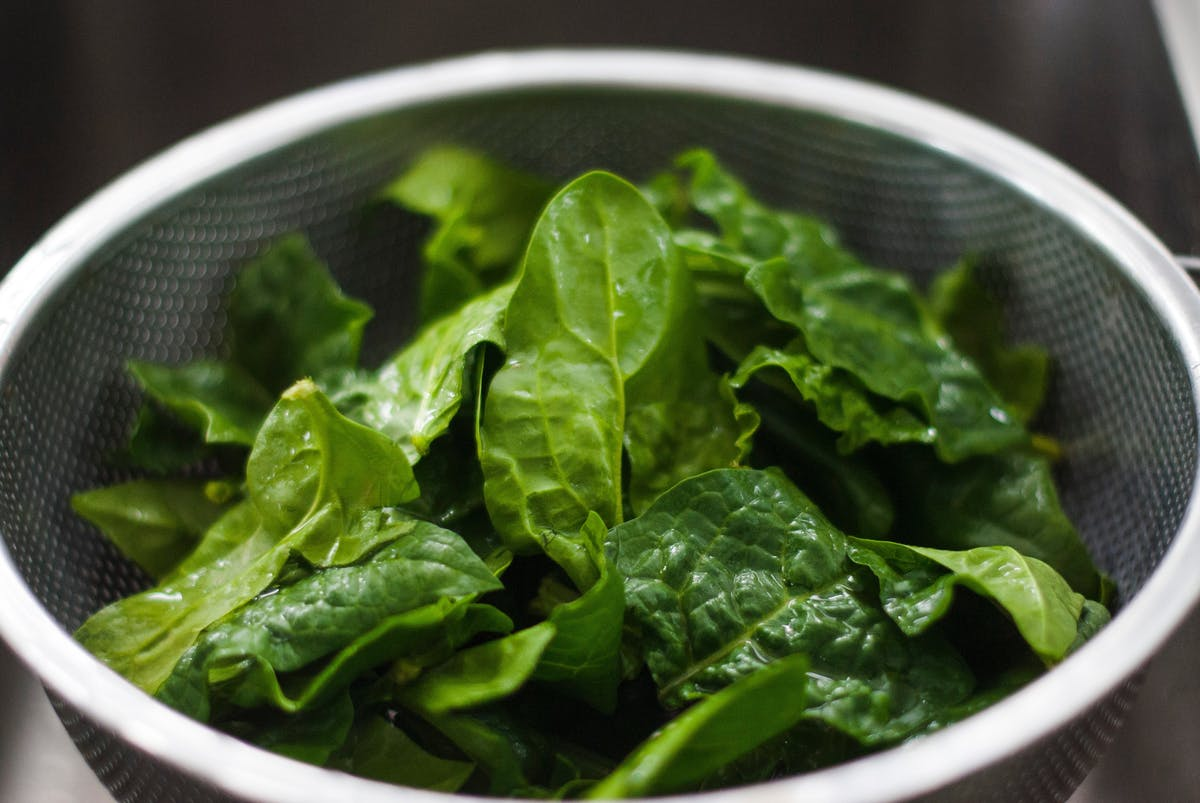 Må mad med spinat ikke opvarmes flere gange? | Illvid.dk