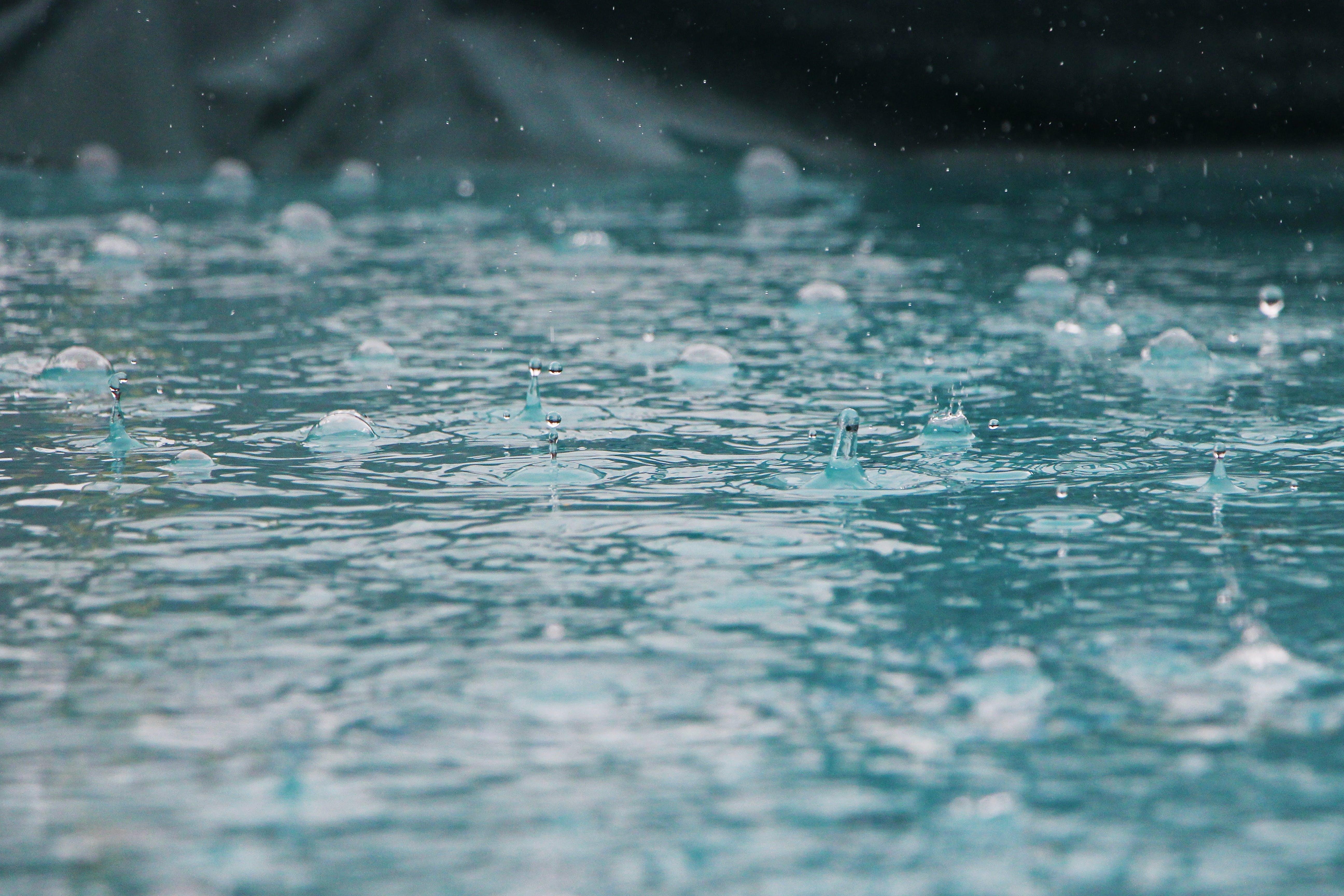 Därför regnar det