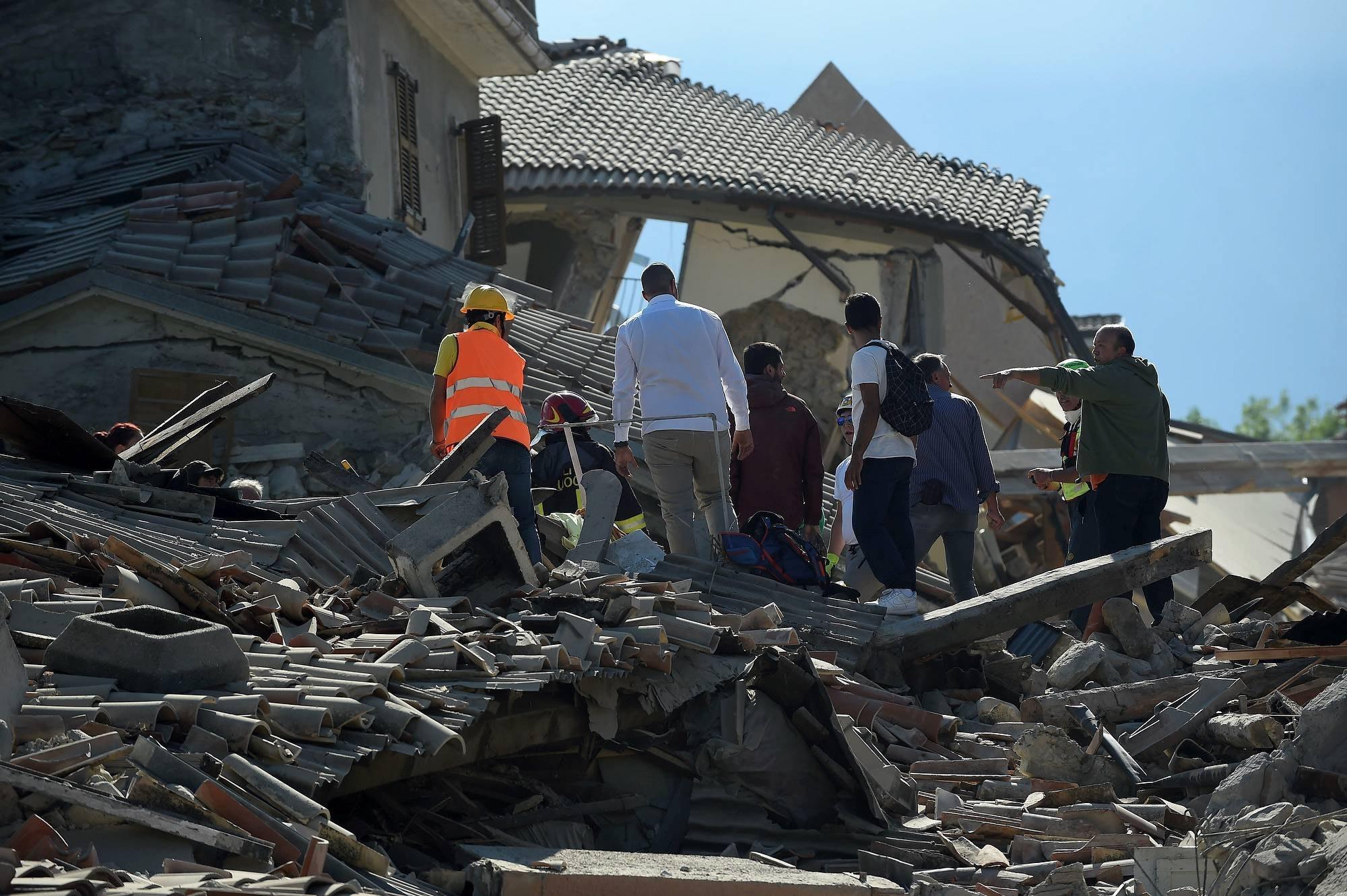 12 miljoner blev hemlosa i jordbavningen