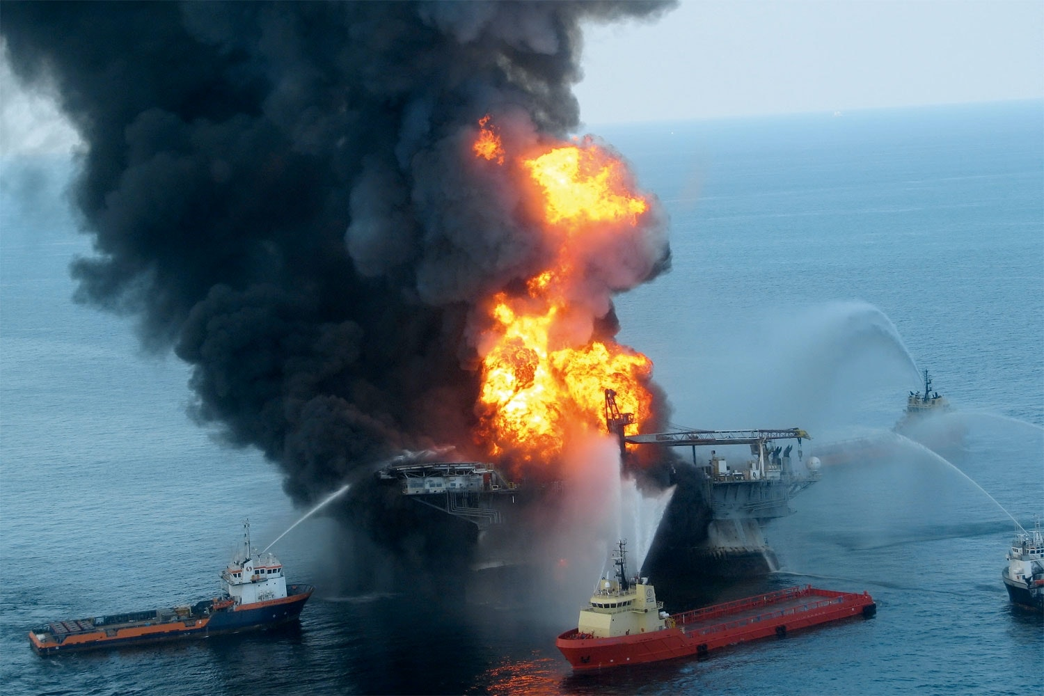 Deepwater Horizon in flames