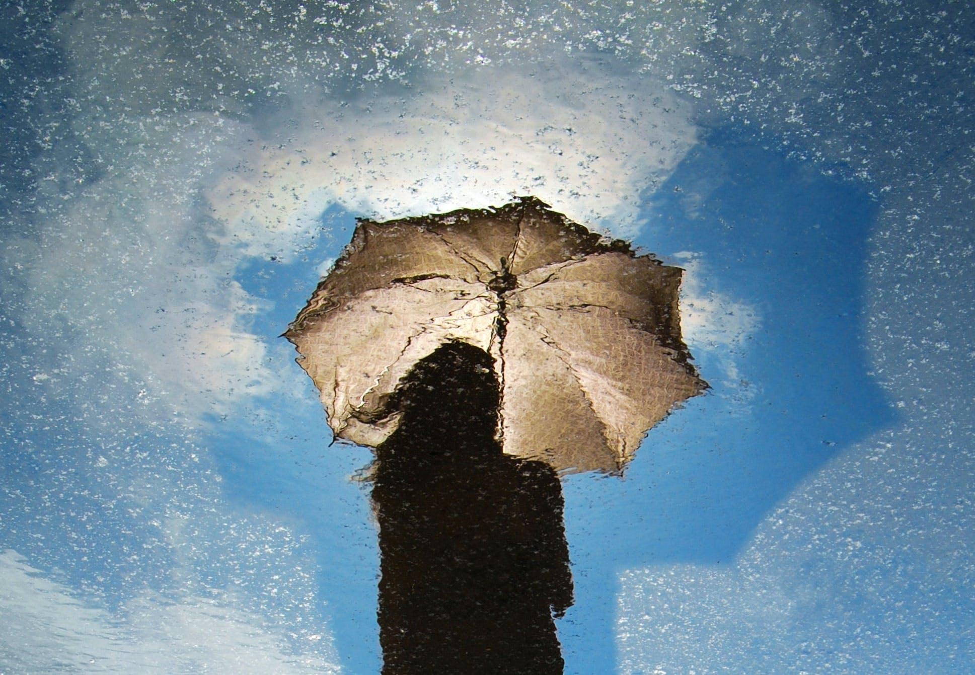 Kan det regne fra en klar himmel?