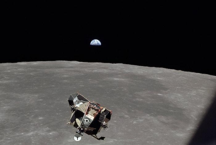Jorden ses fra månen under Apollo 11