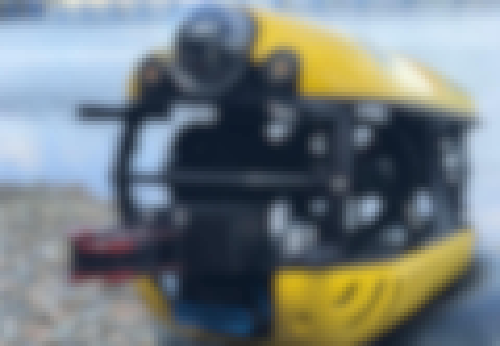 Gul robot-ubåd på land