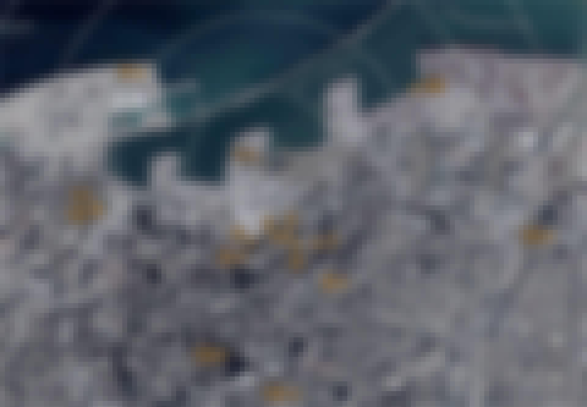 Radius af eksplosionen på Beirut havn vist på satellitkort