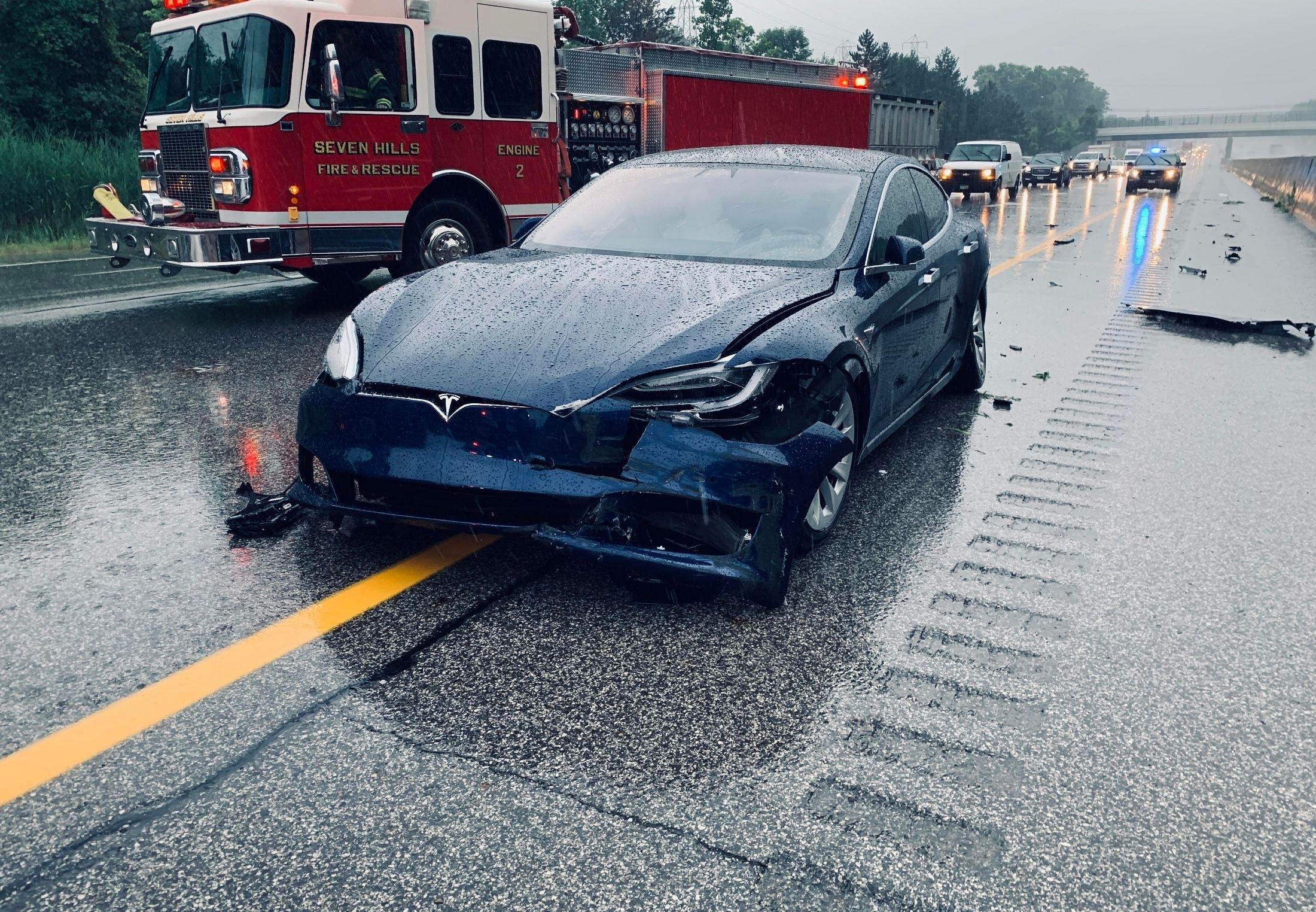 Efter olyckor: Myndigheter undersöker Teslas säkerhet